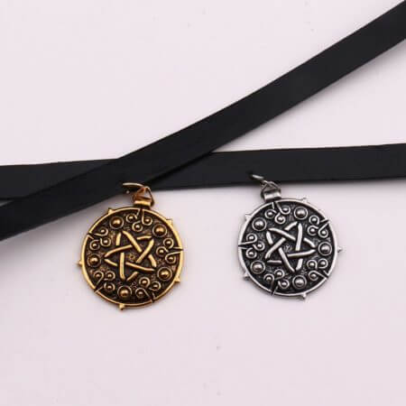 Yennefer Medallion Pendant Black Leather Choker Necklace Wizard 3 Wild Hunt Game Cosplay Gothic Necklace Women Jewelry 4