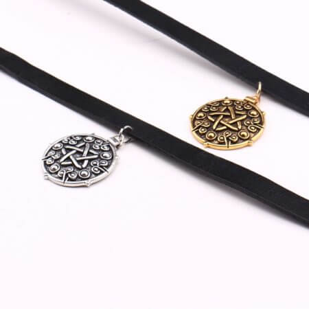 Yennefer Medallion Pendant Black Leather Choker Necklace Wizard 3 Wild Hunt Game Cosplay Gothic Necklace Women Jewelry 5